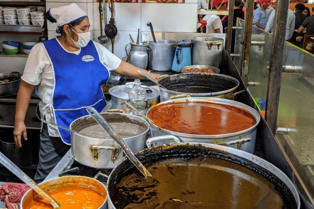 Oaxacan Food | Traditional Oaxaca Food | Mole | Mercado 20 Noviembre